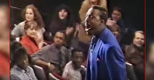 Arsenio Hall stands his ground against hecklers